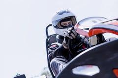 Driver da go-kart sulla linea di partenza fotografie stock libere da diritti