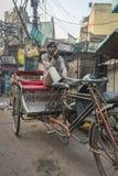 Driver del risciò a Delhi, India Fotografia Stock