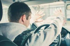 Driver furioso ed avventato Il pericolo che determina concetto Fotografia Stock Libera da Diritti