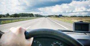 Driver nella strada immagini stock