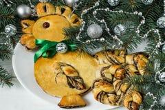 Drożdżowy tort w formie koguta - symbol 2017 Obraz Stock
