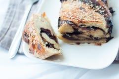 Drożdżowy tort z czekoladą fotografia royalty free