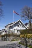 Drobak Akershus, Норвегия - флаг и дома Стоковые Фотографии RF