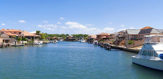 Drodzy domy blisko kanałów w Mandurah Fotografia Royalty Free