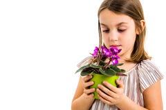 Droevig jong de bloempot van de meisjeholding het rouwen familieverlies royalty-vrije stock afbeeldingen