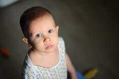 Droevig kindportret droevig kind na een argument met zijn ouders E Royalty-vrije Stock Fotografie