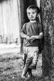 Droevige Dakloze Jongen royalty-vrije stock foto's
