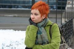 Droevige, eenzame vrouw Stock Foto's