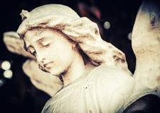 Droevige en mooie engel royalty-vrije stock fotografie