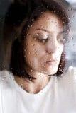 Droevige misbruikte vrouw Stock Afbeelding