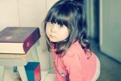 Droevige ogen van een klein meisje Royalty-vrije Stock Foto