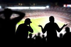 Droevige voetbalventilators Teleurgestelde, boze en verstoorde menigte royalty-vrije stock afbeeldingen