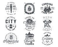 Drog loppemblemet och emblemet in för tappning ställde handen Fotvandra etiketter Inspirerande logoer för utomhus- affärsföretag  stock illustrationer