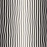 Drog vertikala krabba linjer modell för vektor sömlös svartvit hand Arkivbild