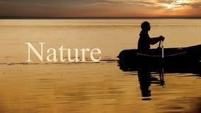 Droga del pescatore di rematura nella parola della NATURA nel telaio stock footage