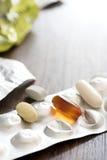 droga della pillola della medicina sul di alluminio Fotografie Stock Libere da Diritti