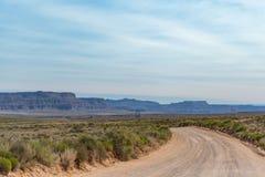 Droga Gruntowa Przez Utah pustkowia Zdjęcia Royalty Free