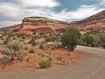 Droga Gruntowa w jarów obręczy Rekreacyjnym terenie Obraz Royalty Free