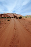 Droga gruntowa w pustyni obraz stock