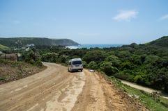 Droga Gruntowa z furgonetką w kawy zatoce, Wschodni przylądek, Południowa Afryka Zdjęcie Royalty Free