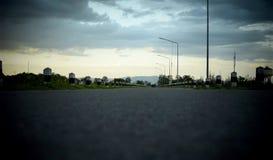 Droga i niebo przy wieczór czasem - retro styl Fotografia Royalty Free