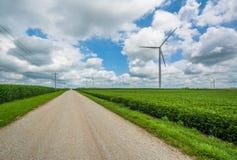 _droga i wiatraczek w wiejski Indiana zdjęcie stock