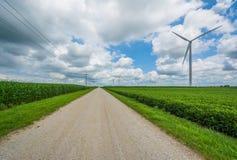 _droga i wiatraczek w wiejski Indiana fotografia royalty free