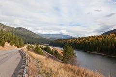 Droga, ślada i rzeka, Fotografia Royalty Free