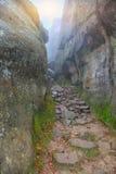 Droga między skałami Obrazy Stock