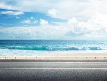Droga na tropikalnej plaży Zdjęcie Stock