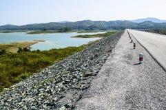 Droga obok jeziora Obraz Stock