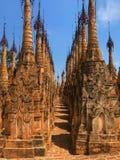Droga przemian i pagoda zdjęcia royalty free
