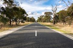 Droga przez wysuszonych upraw Zdjęcia Royalty Free