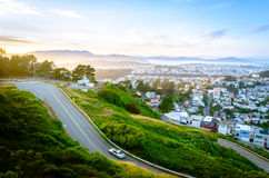 Droga przez zielonych wzgórzy Zdjęcia Stock