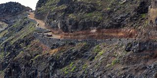 Droga przy Punta Llana, wyspy kanaryjskie dokąd jest przy losem angeles Gomera Ermita De Nuestra señora de Guadalupe, fotografia stock