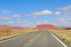 Droga w Dolina Pomnikowym Parku II Fotografia Stock