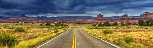 Droga w dzikim zdjęcia royalty free