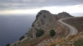 droga w górę gór Zdjęcia Royalty Free