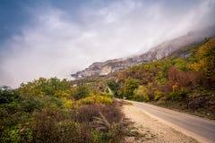 Droga w górę gór w Montenegro Obraz Stock