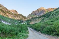 Droga w Kolorado pustkowiu w lecie Zdjęcia Stock