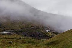 Droga w mgły górze Obrazy Royalty Free