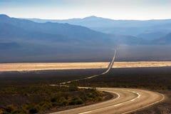 Droga w Śmiertelnej Dolinie Obraz Stock