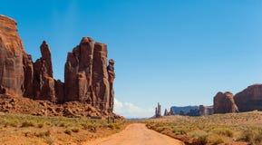 Droga w Pomnikowej dolinie Zdjęcie Royalty Free