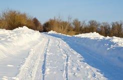 Droga w zima lesie Zdjęcia Royalty Free