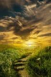 Droga wzgórze w chmurach Zdjęcia Stock