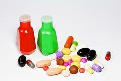 Droga y botella de la medicina fotografía de archivo libre de regalías