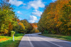 Droga z krzywą w jesieni Obraz Royalty Free