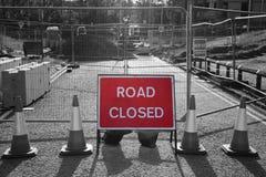 Droga zamykająca podpisuje wewnątrz roadworks Obrazy Stock