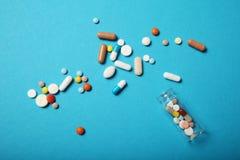 Drogas de la farmacia de la prescripci?n Sobredosis antibi?tico Fondo de la medicina fotos de archivo libres de regalías