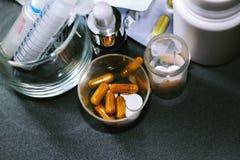 Drogas e comprimidos Foto de Stock
